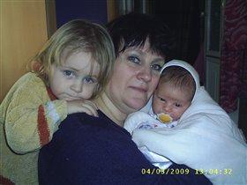 Бабулечка-красатулечка и ее внуки