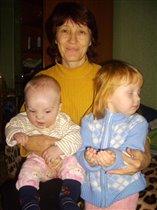 А фотографироваться любит только бабушка))))