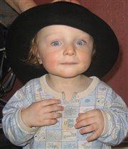 Что за шляпка просто класс, оттеняет мой цвет глаз