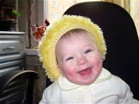 Ясные глазки, морозные щёчки, Вам улыбается мамина дочка.