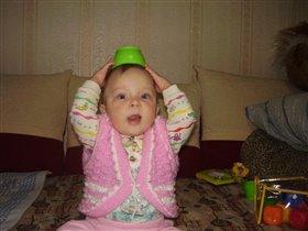 Моя шляпка лучше всех,с фрутоняней ждет успех!)))