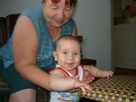 С бабушкиной помощью скоро я пойду!:))