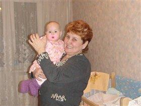 Альвиночка с двоюродной бабушкой
