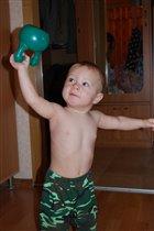Гирю выше поднимаю и здоровье укрепляю!