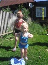Катюша ( 6 лет ) и Настенька (1,5 года )
