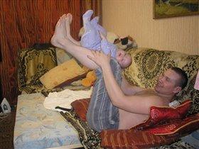 папа с дочей на зарядке