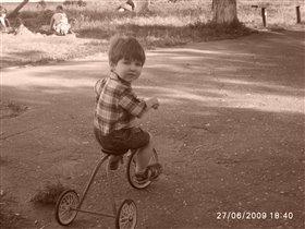 Ретрофото: Григорий на ретровелосипеде