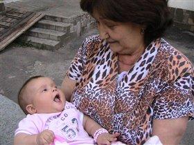 С бабушкой всегда весело!