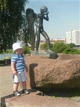 Памятник в Минске ' Плачущий ангел '