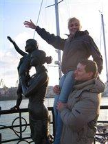 Одесса, порт, скульптура Жене моряка
