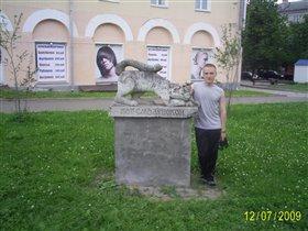 В Смоленске, на площади скульптур