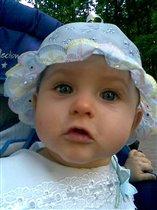 Маленькая мальвина!!!