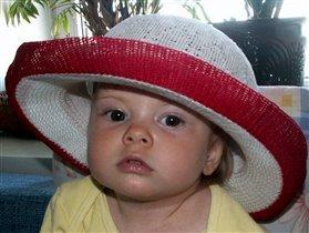 Дочка однажды шляпу достала...