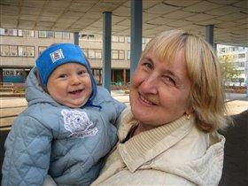 Кирюша и бабуля
