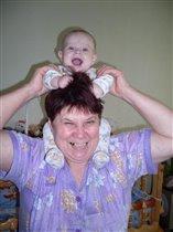 А нука, бабуля, снимай. Я же знаю, что это ПАРИК!