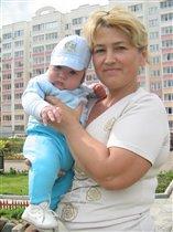 с любимой бабушкой))))