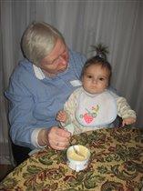 с бабушкой подчиваем