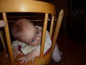 Восхищайтесь, мой первый спортивный снаряд - это стульчик!