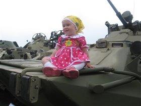 Маленькая танкистка