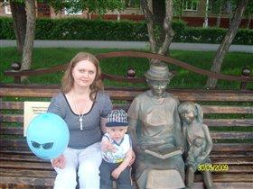 Мама с сыном и бабушка с внучкой
