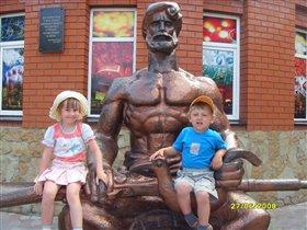 Памятник Ивана Поддубного в Ейске