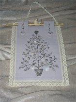 Mon bо sapin (Tournicoton)  (лён Belfast 32, цвет сиреневый Lilac 558, нитки меланж Madeira  №2414),