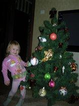 Две красавицы - елка и я!!!
