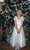 принцесса Даша у елки