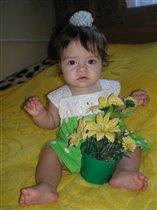 Для мамы цветочек-это я, А этот-для меня