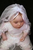 В роли невесты.