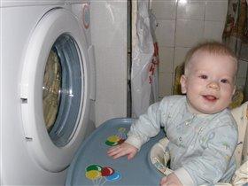 Веселый малыш
