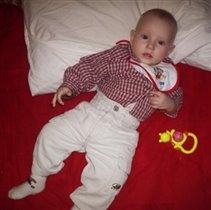 Мне 5 месяцев, а я уже в вильветовых штанах!
