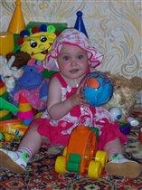 Маленькая принцесса на 'игрушечном' балу