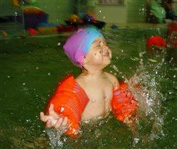 Лучшее развлечение- купание в бассейне