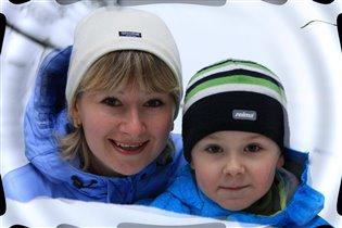 Зимняя прогулка с мамой