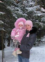В такой чудесный зимний день нам с мамою гулять не лень!!