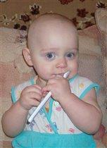 Первые зубки и первая зубная щетка