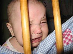 Разве детке место в клетке?! Может быть обидно детке!!!