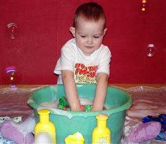 'Маме не придется грязное стирать, может только если - воду подтирать???'