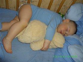 Сладкий сон с любимым мишкой!