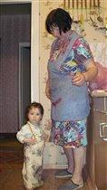 Помогаю бабушке на кухне