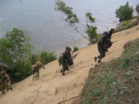 Пехота зацепилась за берег.