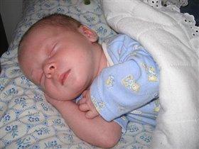 Спи сыночек сладко,сладко баюшки- баю