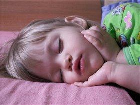 Спят усталые Сонюшки...