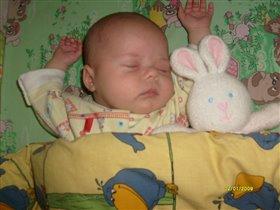 сладко спит моя Викулька...