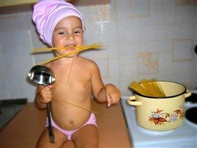 А зачем их варить?!! Они и так вкусные!!! Мои любимые спагетти!