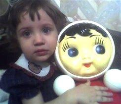 Что у Оли, что у Маши - одинаковые глазки!!!