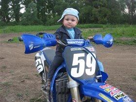 Будующий чемпион по мотокроссу