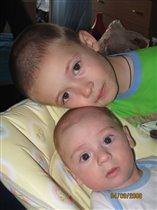 Глаза двух братьев - души безгрешной отражение...