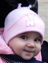 Малышка на прогулке